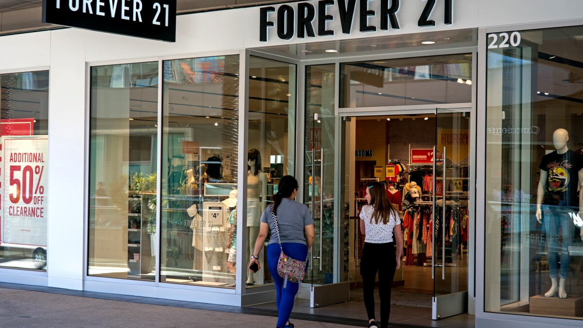 Forever 21 S Landlords Offer A Cut Rate Of 81 Million For The L A Retailer Los Angeles Times