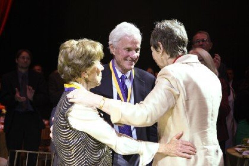 La Jollans rita and richard atkinson receive Chancellor's medals from outgoing UCSD Chancellor marye anne Fox during the university Founders Dinner in november 2011.