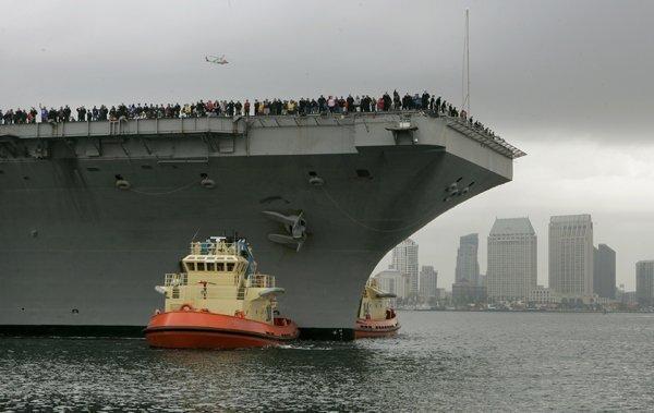 Carrier Abraham Lincoln arrives