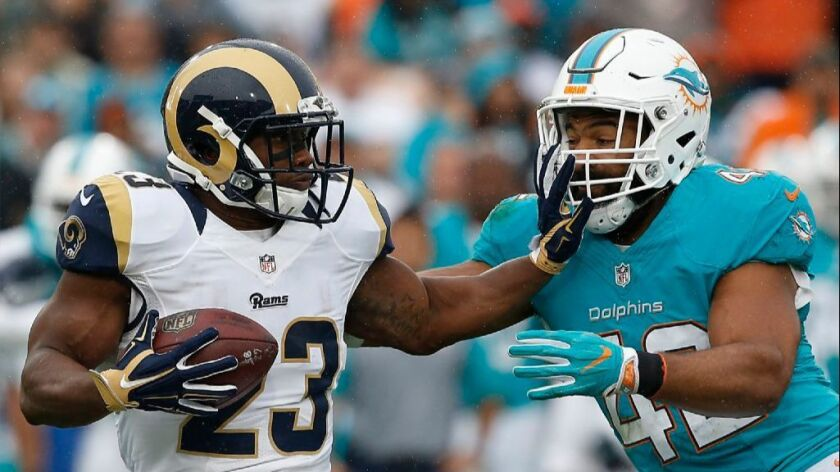 Chicago Bears sign former Rams running back Benny Cunningham