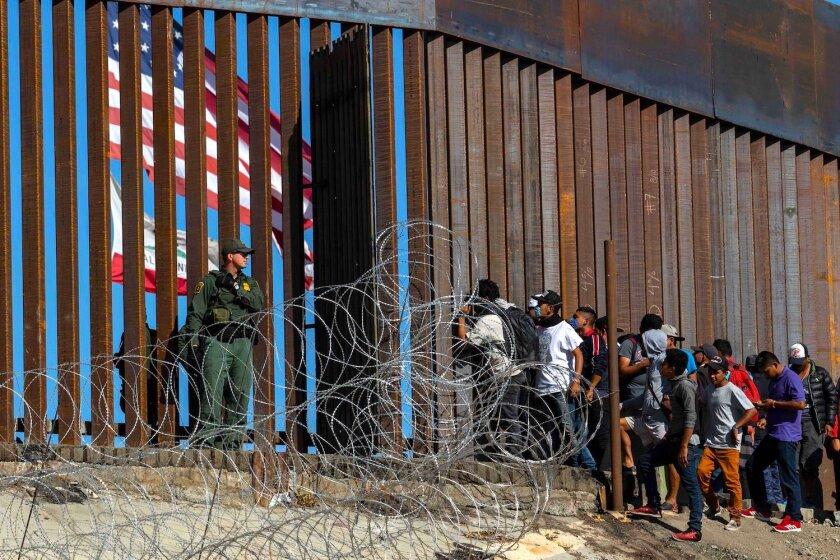 EEUU analiza enviar a México a quienes crucen la frontera de manera ilegal  - Los Angeles Times
