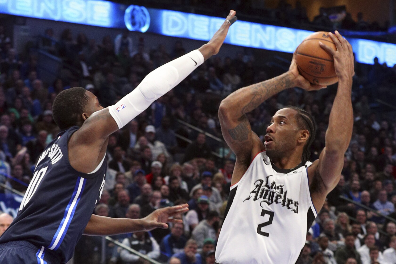 Kawhi Leonard Scores 36 As Clippers Survive Wild Finish To