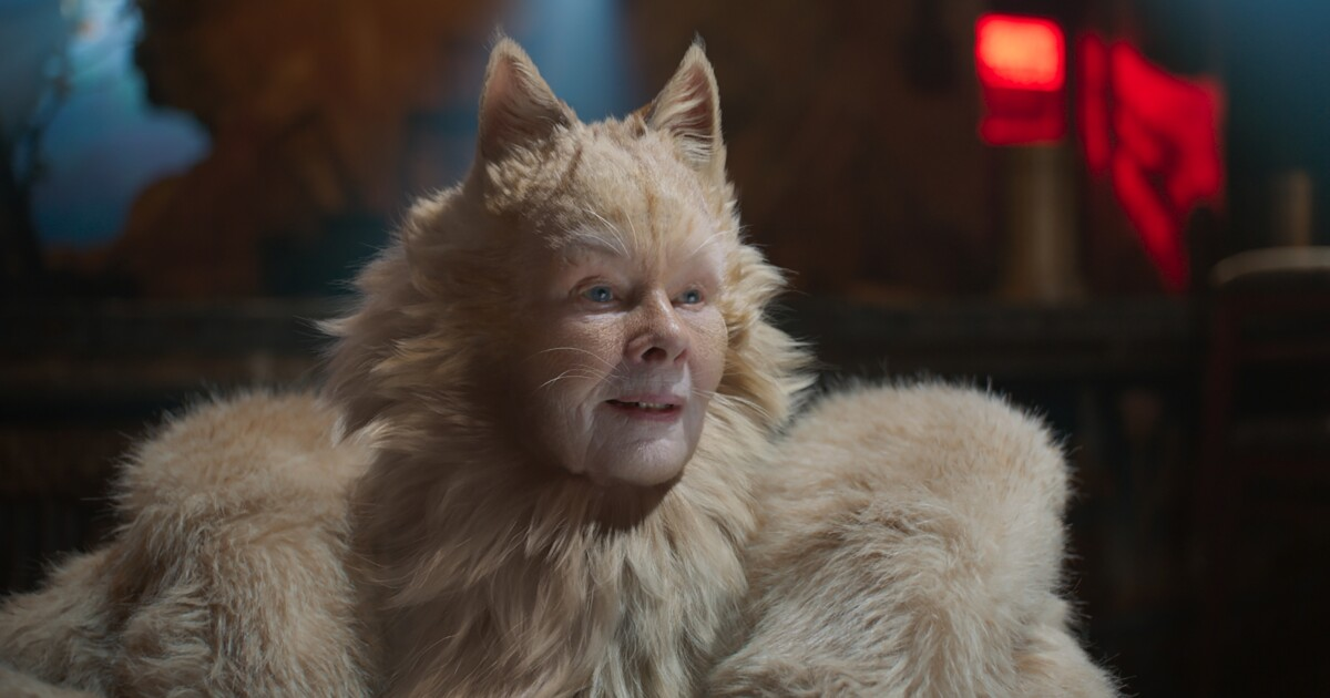 Review Cats Is A Horror And An Occasional Hoot Los Angeles Times