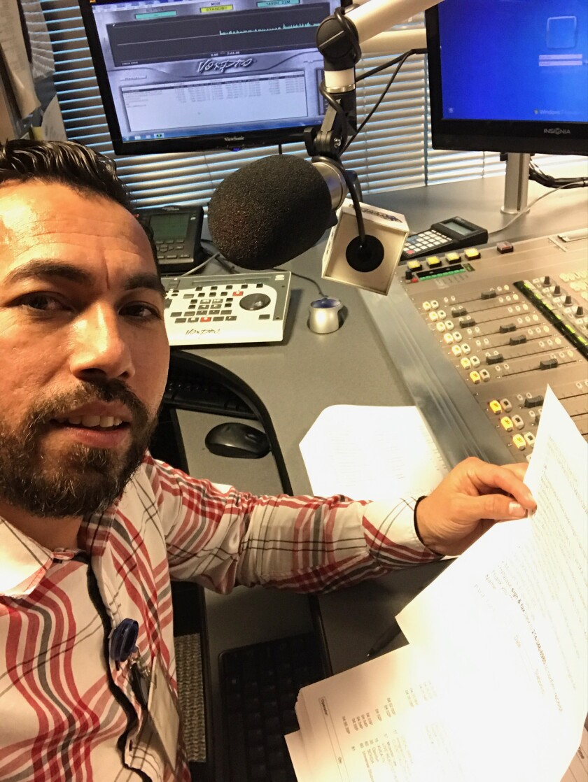 Jacob Argueta inició en Radio La Raza en el 2006, en el 2016 se movió a Radio Centro.