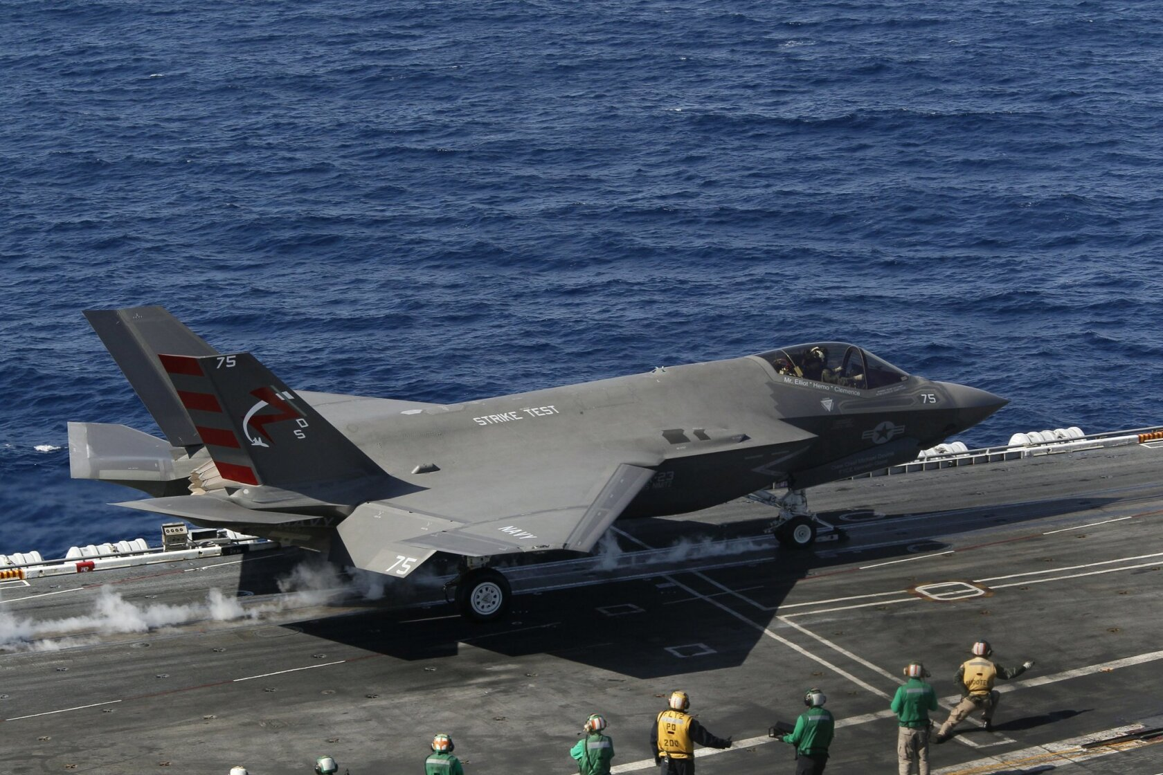 Navy flying: With the F-35C, no more tricky landings? Joint
