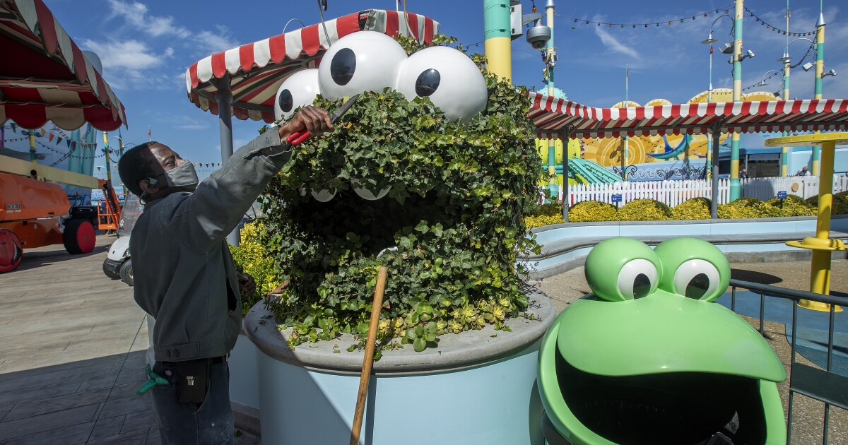 Universal Studios Hollywood to reopen April 16 with new ride - Los Angeles Times