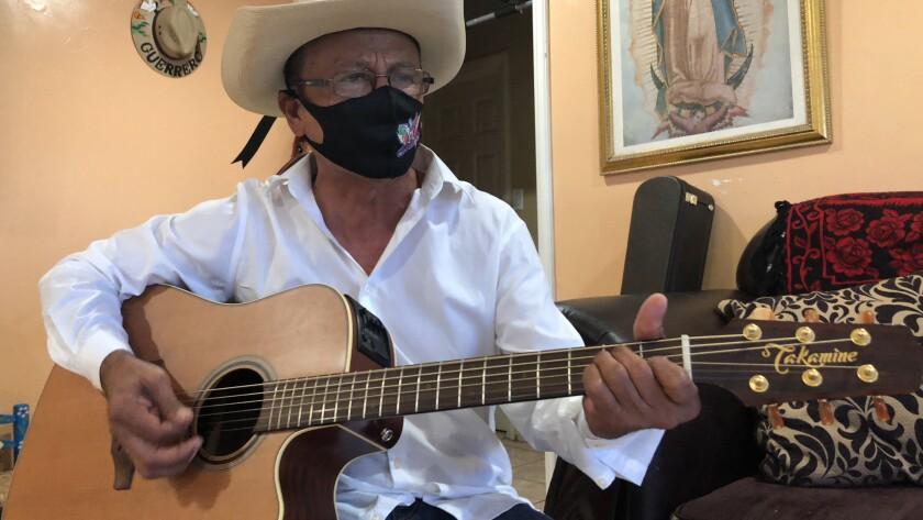El compositor Sotero Valentín Salgado sumó otra canción a su larga lista con una letra que ha causado sensación en TikTok.