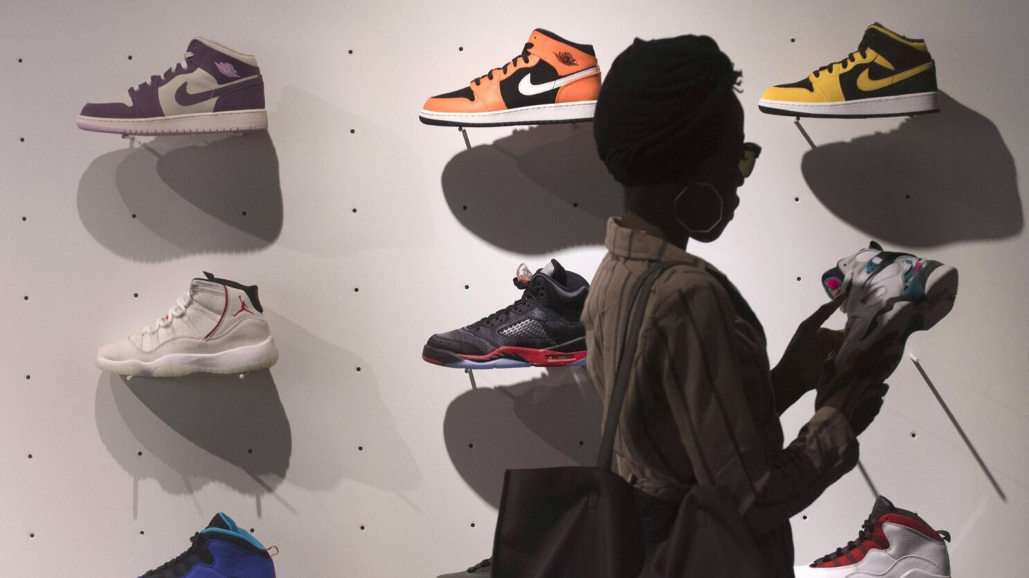 Those Nikes Buy Sell Or Hold Sneakers Are Now Assets Trading Like Stocks Los Angeles Times