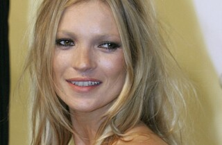 Kate Moss escorted off plane for 'disruptive behavior'