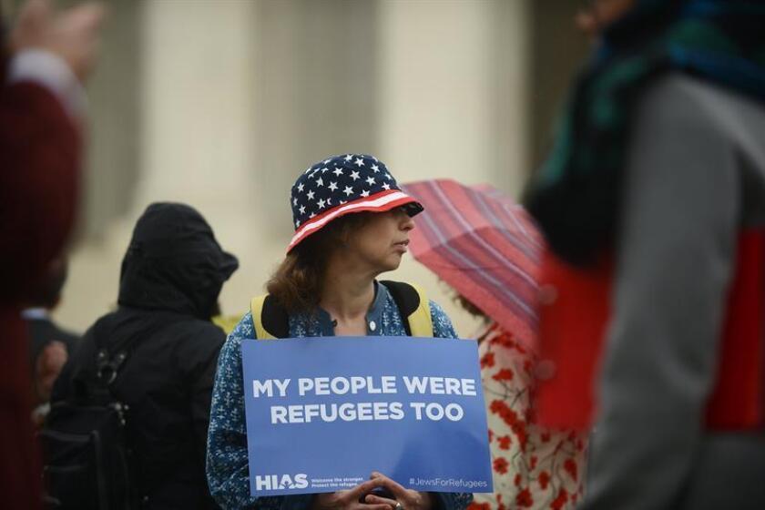 Manifestantes piden al Supremo que suspenda el veto migratorio de Trump