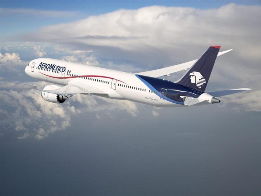 Fotografía cedida de un avión Boeing 787-9 Dreamliner de Aeroméxico. La aerolínea abrirá el próximo 27 mayo dos nuevas rutas con Corea del Sur, con vuelos que unirán las capitales de ambos países. EFE/Aeroméxico/SOLO USO EDITORIAL