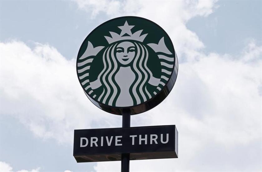 Vista del logo de Starbucks en Sulphur Springs, Texas (EE. UU.). EFE/Archivo