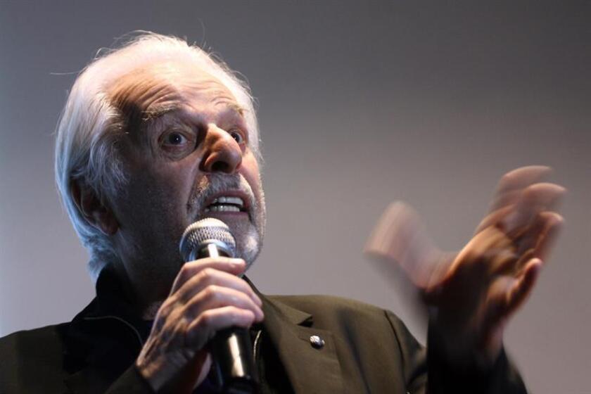 El escritor chileno Alejandro Jodorowsky habla durante una conferencia el jueves 1 de diciembre de 2011, en la ciudad de Puebla (México). EFE/Archivo