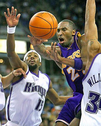 Kobe Bryant, John Salmons, Corliss Williamson