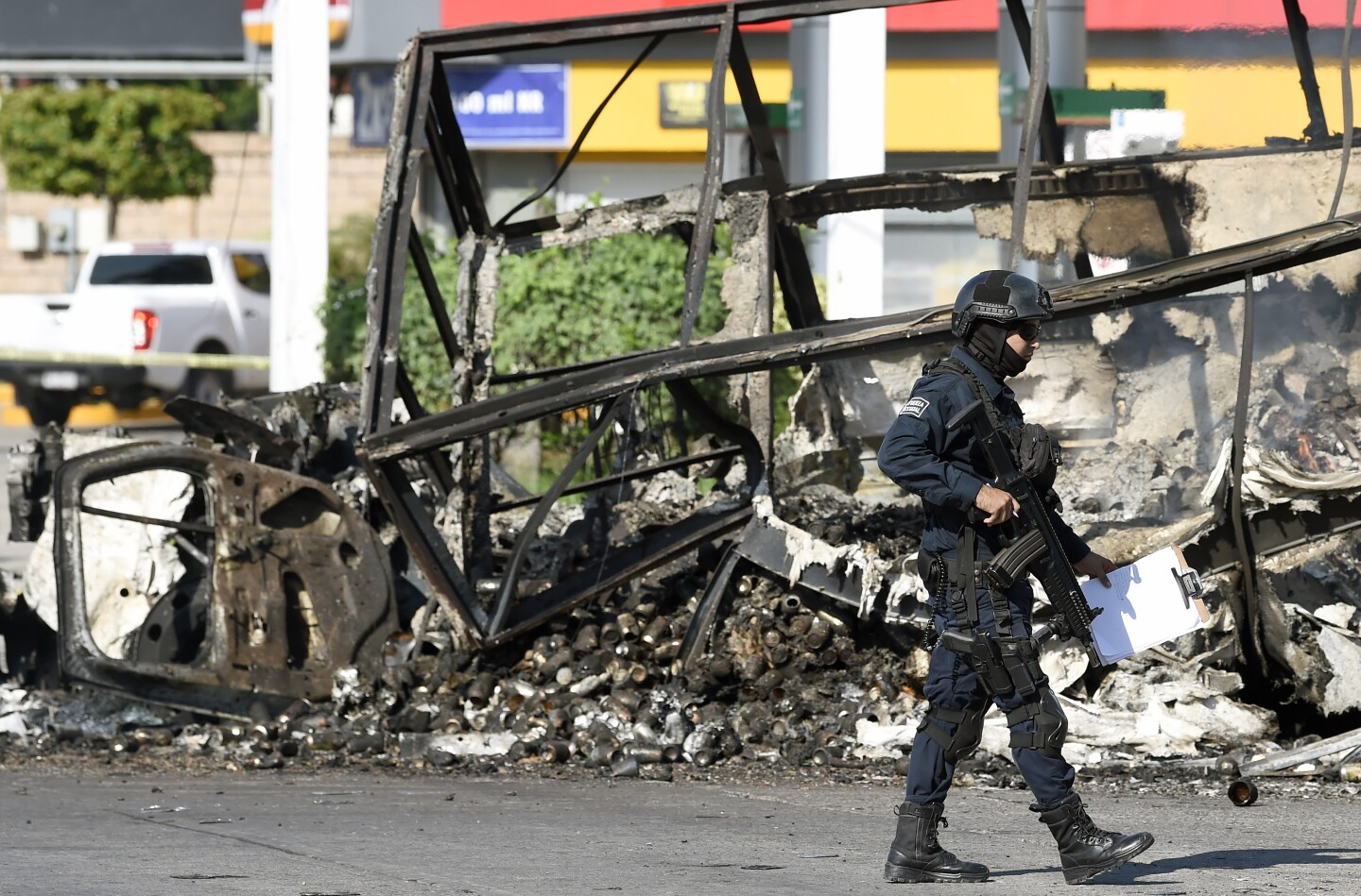 Gun battle between cartel fighters and Mexican security officials creates chaos in Culiacan
