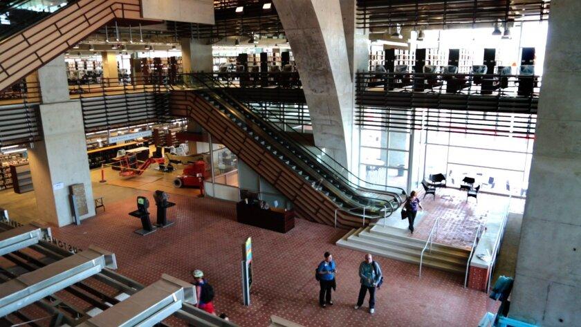lobby-escalators-gregg
