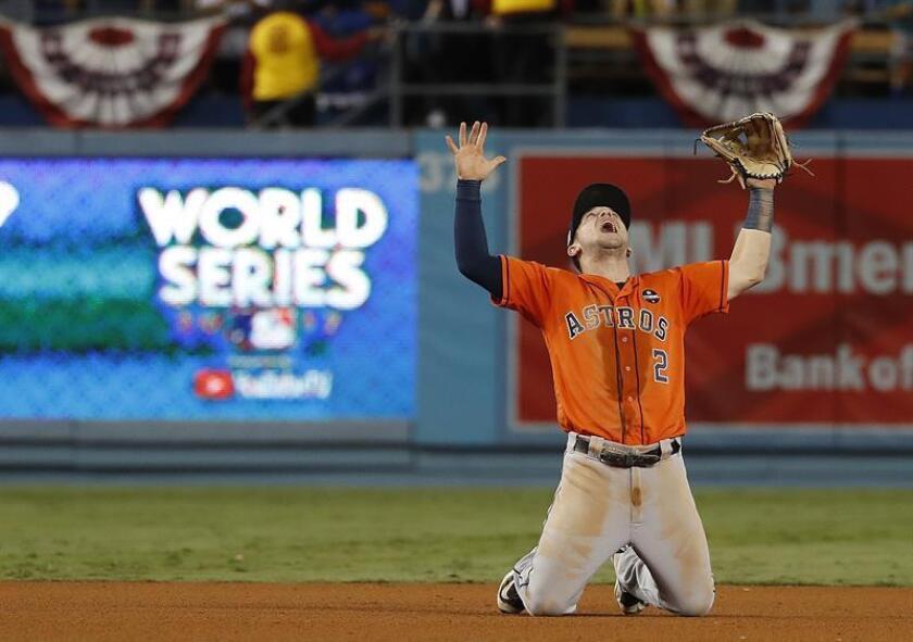 El tercera base de Astros Alex Bregman celebra al vencer a Dodgers y ganar la Serie Mundial de MLB el pasado 1 de noviembre, entre Dodgers de Los Ángeles y los Astros de Houston, en el estadio Dodger de Los Ángeles, California (EE.UU.). EFE/Archivo