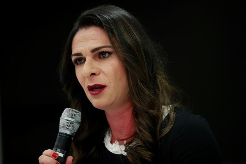 La ex campeona mundial de atletismo Ana Guevara habla durante una entrevista con Efe en Ciudad de México (México). EFE/Archivo