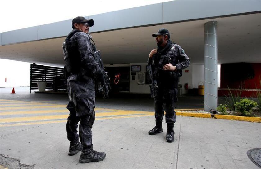Dos hombres fueron detenidos acusados del asesinato a tiros el pasado mes de octubre de Manuel Hernández Pasió, alcalde del municipio de Huitzilan de Serdán, en el céntrico estado mexicano de Puebla, informaron fuentes oficiales. EFE/Archivo