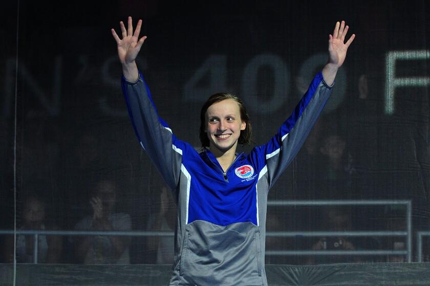 Katie Ledecky wins 400 freestyle, narrowly misses world record