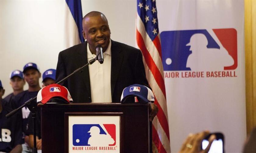 En la imagen, el gerente sénior del Programa de Desarrollo de MLB, Joel Araujo. EFE/Archivo