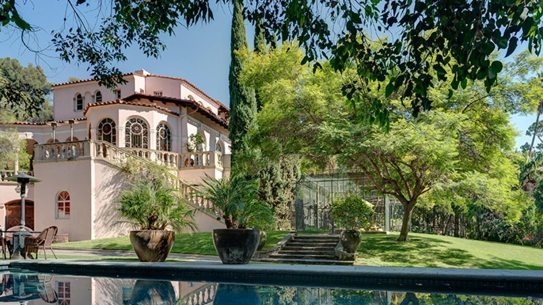 Kirstie Alley's Los Feliz home | Hot Property