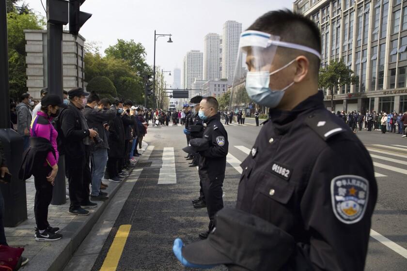 APTOPIX Virus Outbreak China Commemorating Victims