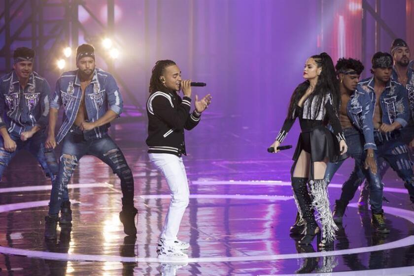 El cantante urbano puertorriqueño Ozuna se convirtió en la primera persona en lograr que al menos siete vídeos musicales sobrepasen 1.000.000.000 de visitas en YouTube como artista principal o en colaboración, superando así al canadiense Justin Bieber, se informó hoy. EFE/Archivo