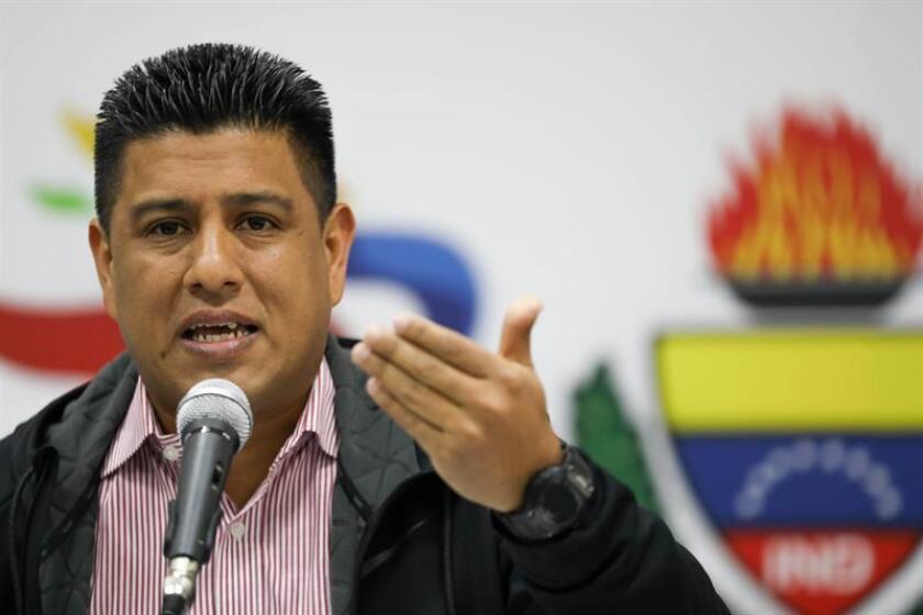 El ministro del Deporte de Venezuela, Pedro Infante, ofrece este lunes una rueda de prensa, en Caracas (Venezuela). EFE