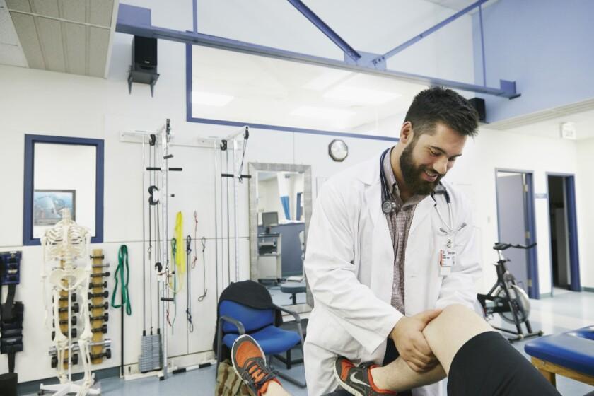 la-sp-02chiefs-doctor-laurent-duvernay-tardif.JPG