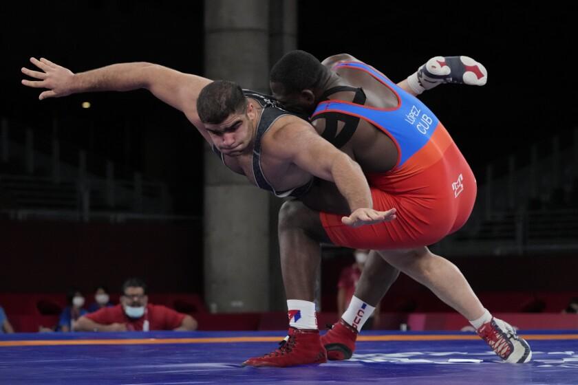 Cubano Mijaín López pasa a final de lucha y va por 4to oro - San Diego  Union-Tribune en Español