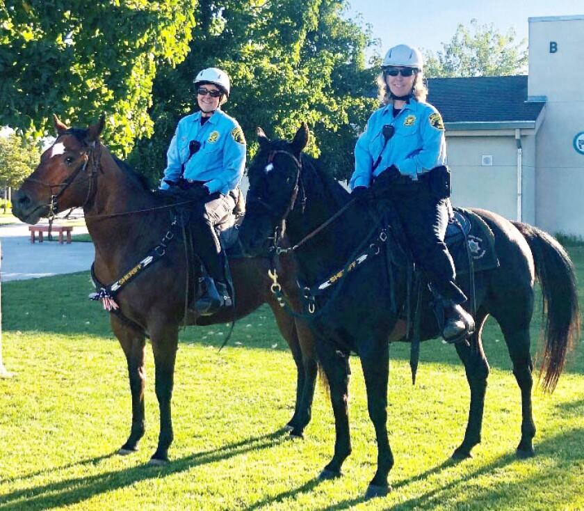 Ramona Sheriff's Mounted Patrol attend school