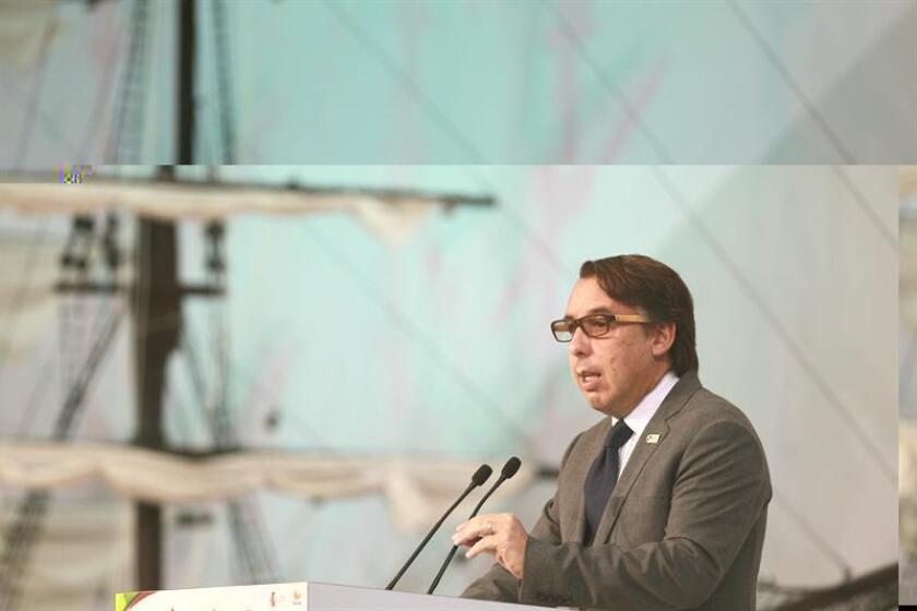 La Comisión Federal de Comunicaciones (FCC) ha autorizado al grupo mexicano Televisa a aumentar su participación en el canal de televisión Univision, según anunciaron hoy ambas compañías en un comunicado. EFE/ARCHIVO