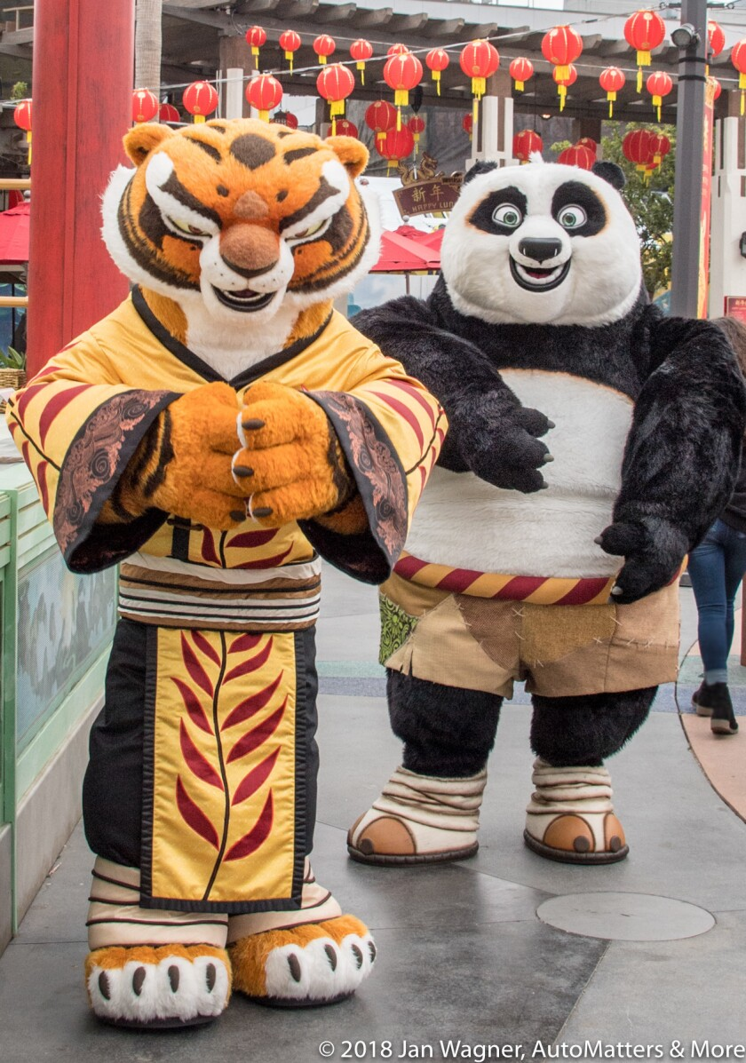 01622-20180210 Universal Studios Hollywood Lunar New Year-Megatron-Minions-Wishing Trees-Po & Tigress-Mr Pings Noodle Shop+attractions-D5