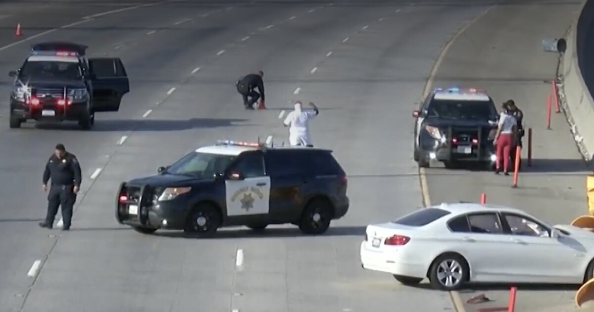 Authorities investigate two shootings on the 605 Freeway. One man was wounded - Los Angeles Times