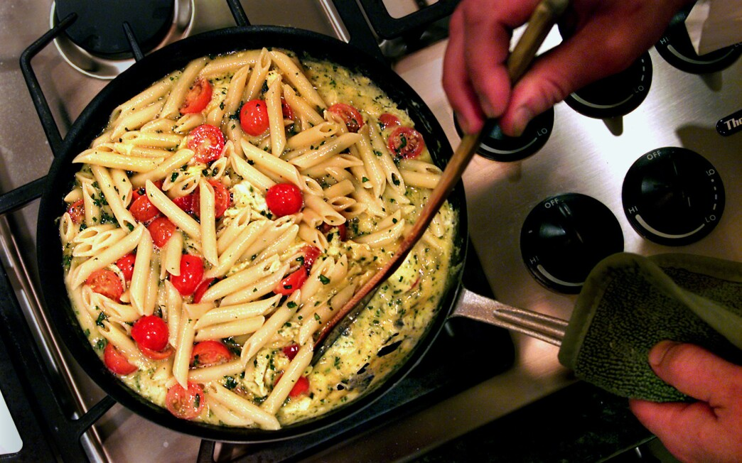 Pasta frittata with cherry tomatoes and fresh herbs
