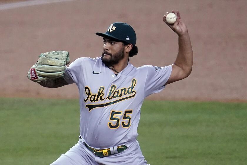 El pitcher abridor de los Atléticos de Oakland Sean Manaea
