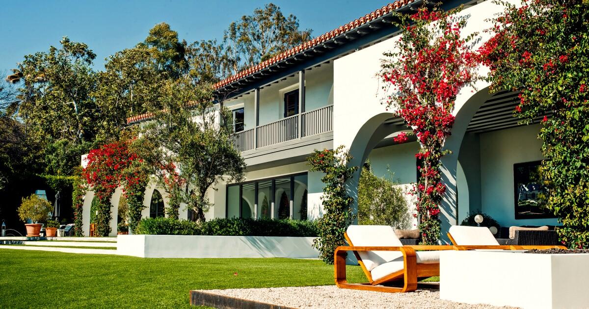Hot Property: Lori Loughlin sells Bel-Air mansion