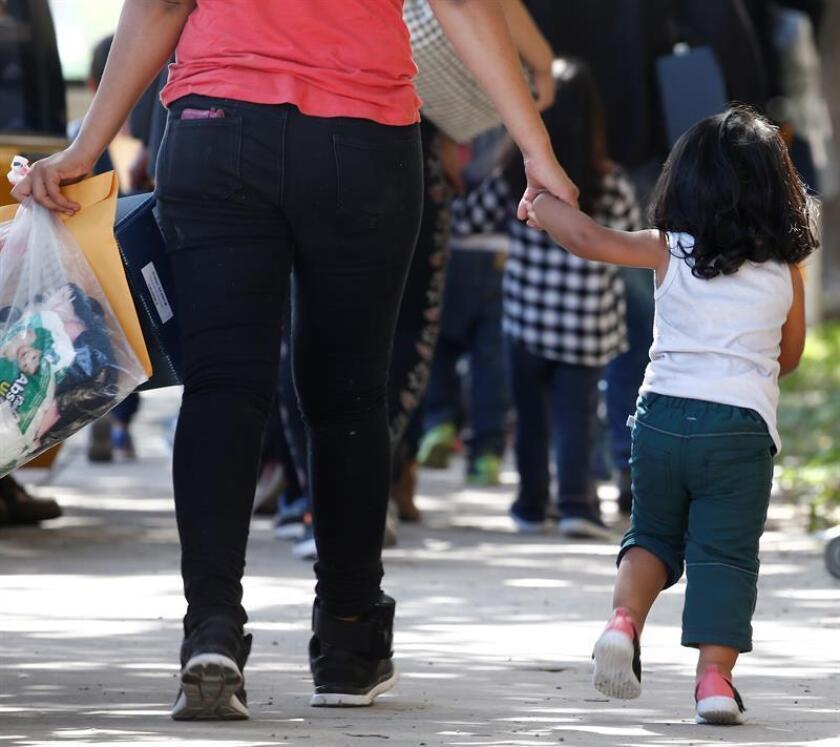 El Departamento de Servicios a Niños y Familias de Illinois informó hoy de que ha iniciado una investigación sobre supuestos abusos físicos y emocionales a niños separados de sus padres inmigrantes en un albergue de Chicago. EFE/Archivo