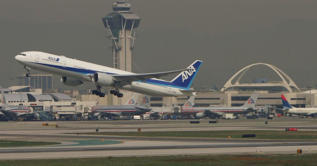 Coronavirus-Vorführungen beginnen am LAX, zwei andere US-Flughäfen inmitten Ausbruch in China