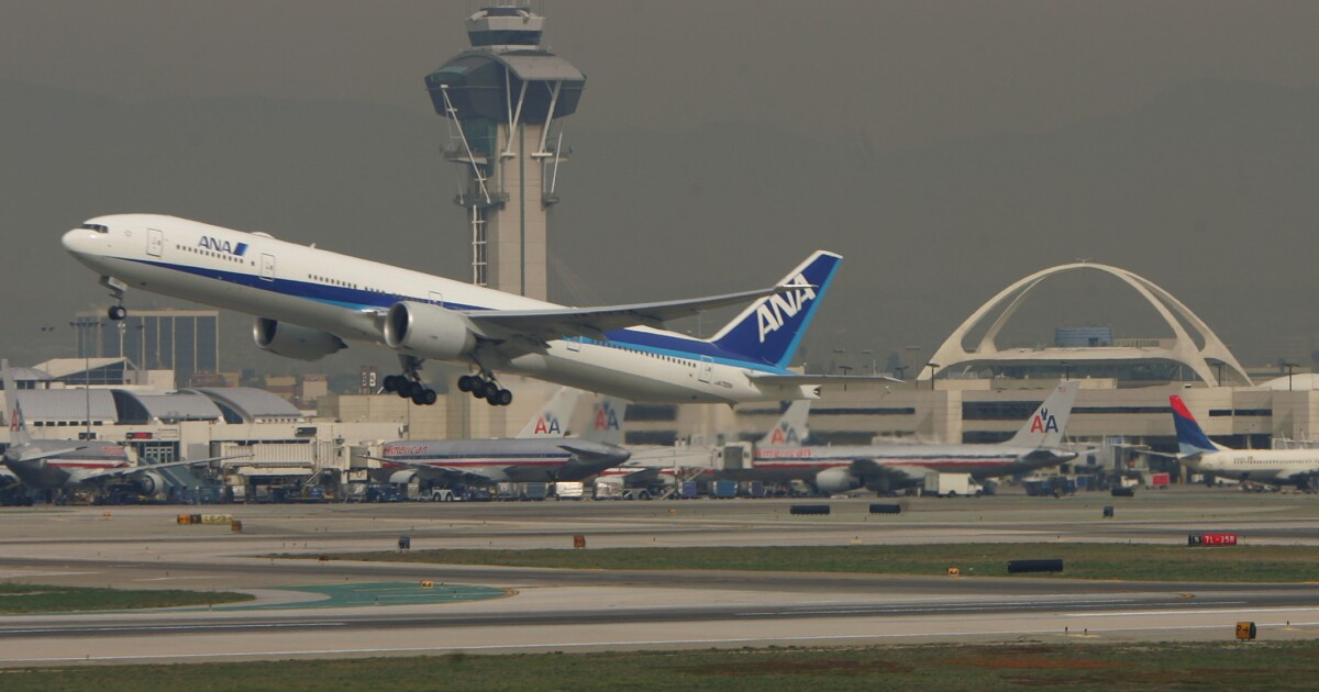 Coronavirus προβολές να ξεκινούν στο αεροδρόμιο του λος άντζελες, δύο άλλα αεροδρόμια των ΗΠΑ εν μέσω επιδημίας στην Κίνα