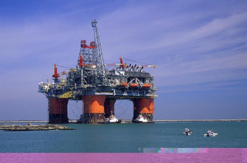 Las reservas de petróleo del país bajaron la semana pasada en 2,4 millones de barriles y se situaron en 485,8 millones, informó hoy el Departamento de Energía. EFE/ARCHIVO