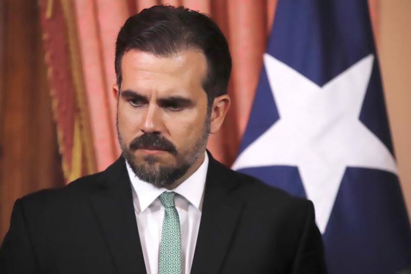 El gobernador de Puerto Rico, Ricardo Rosselló, habla durante una conferencia de prensa ofrecida este martes en la Fortaleza, sede del ejecutivo de la isla. EFE/Thais Llorca/Archivo