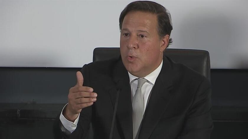 El presidente de Estados Unidos, Donald Trump, y el mandatario de Panamá, Juan Carlos Varela, hablaron de alentar el respeto a la democracia en Venezuela en la conversación telefónica en la que acordaron la visita del mandatario panameño a Washington en los próximos meses. EFE/ARCHIVO/MÁXIMA RESOLUCIÓN DISPONIBLE