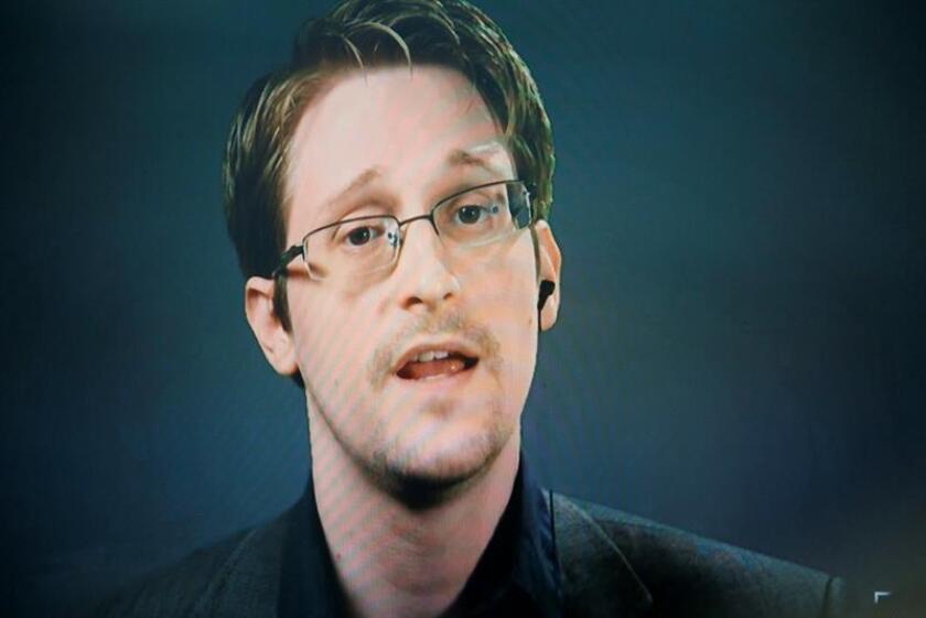 Varias organizaciones lanzaron una campaña para lograr el perdón presidencial del exanalista de inteligencia Edward Snowden, acosado judicialmente en EE.UU. y que desde Rusia insiste en los beneficios que generaron sus filtraciones.