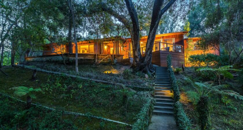 David Hayter's Sherman Oaks estate