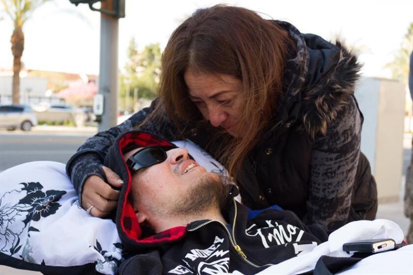 Joven discapacitado intercede en la deportación de su madre