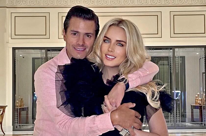 Enrique Peña Nieto junto a su novia, la modelo Tania Ruiz.