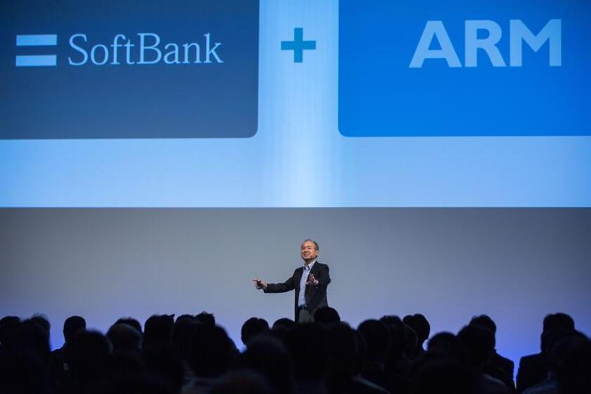 El grupo tecnológico japonés Softbank se comprometió a invertir unos 50.000 millones de dólares en Estados Unidos, según informó el principal ejecutivo del consorcio nipón. EFE/ARCHIVO