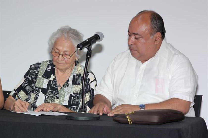 El periodista y poeta nicaragüense asilado en Estados Unidos Ariel Montoya (d) anunció hoy a Efe la constitución del Partido Anticorrupción en Nicaragua (PANA), una fuerza de centro-derecha que reniega de la política tradicional en ese país. EFE/Archivo